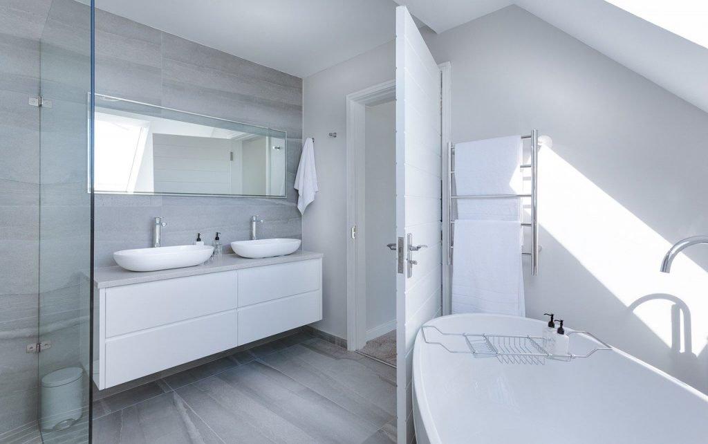 modern minimalist bathroom, bath, bathtub-3115450.jpg